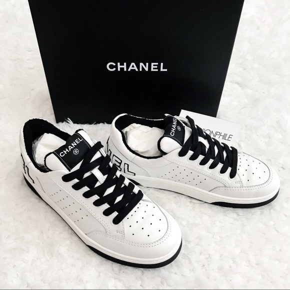 NEW chanel 20P logo sneakers